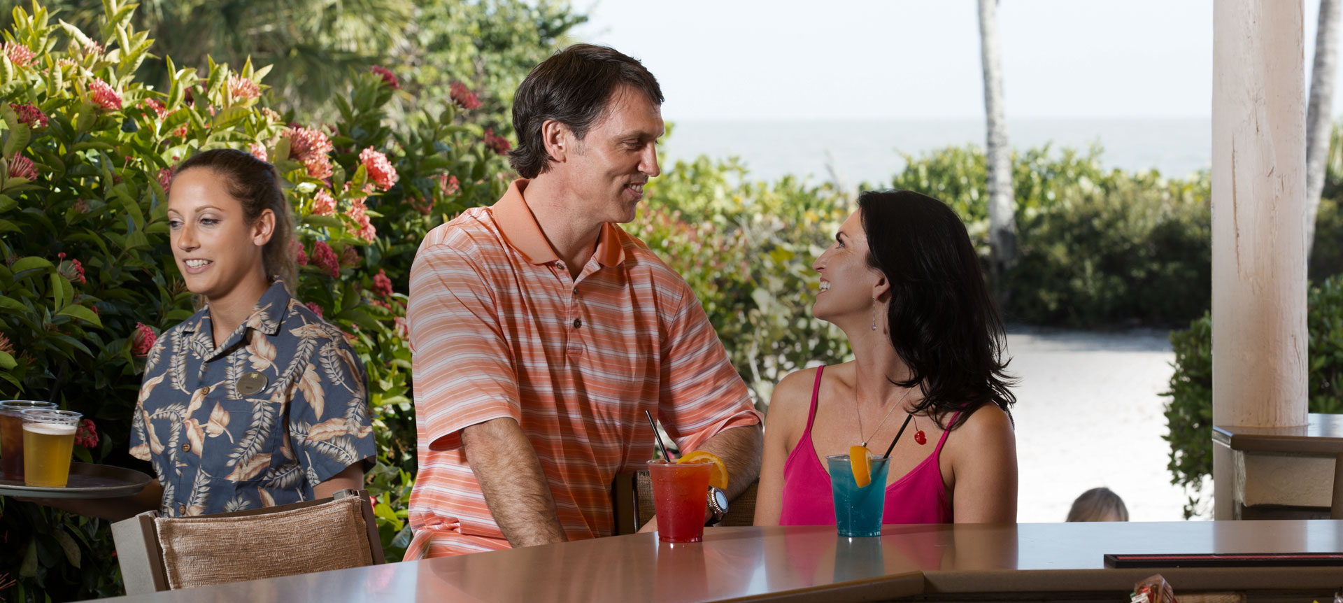Sundial Beach Resort & Spa, Turtle's Pool & Beach Bar