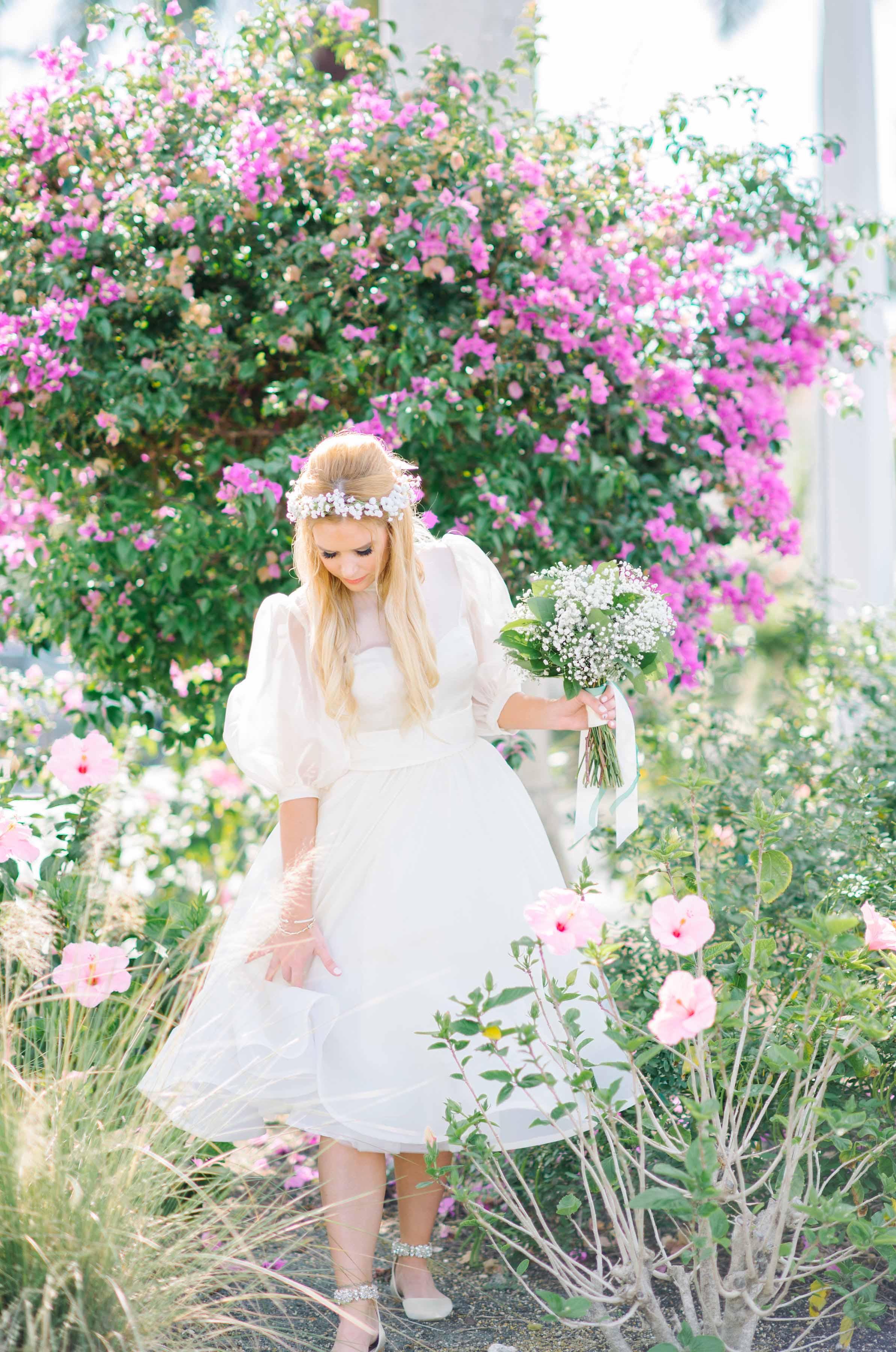 bride vintage audrey bridal floral pose