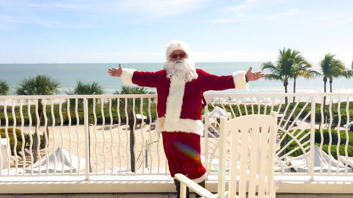 santa on balcony sundial sanibel